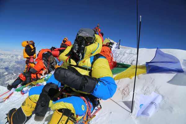 PURNIMA SHRESTHA - La 1era mujer fotoperiodista nepalí en alcanzar la cima del Everest
